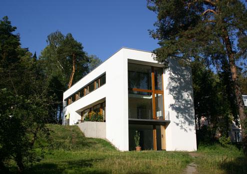 wohnen und arbeiten k nstleratelier gro glienicke einfamilienhaus villa moderne. Black Bedroom Furniture Sets. Home Design Ideas